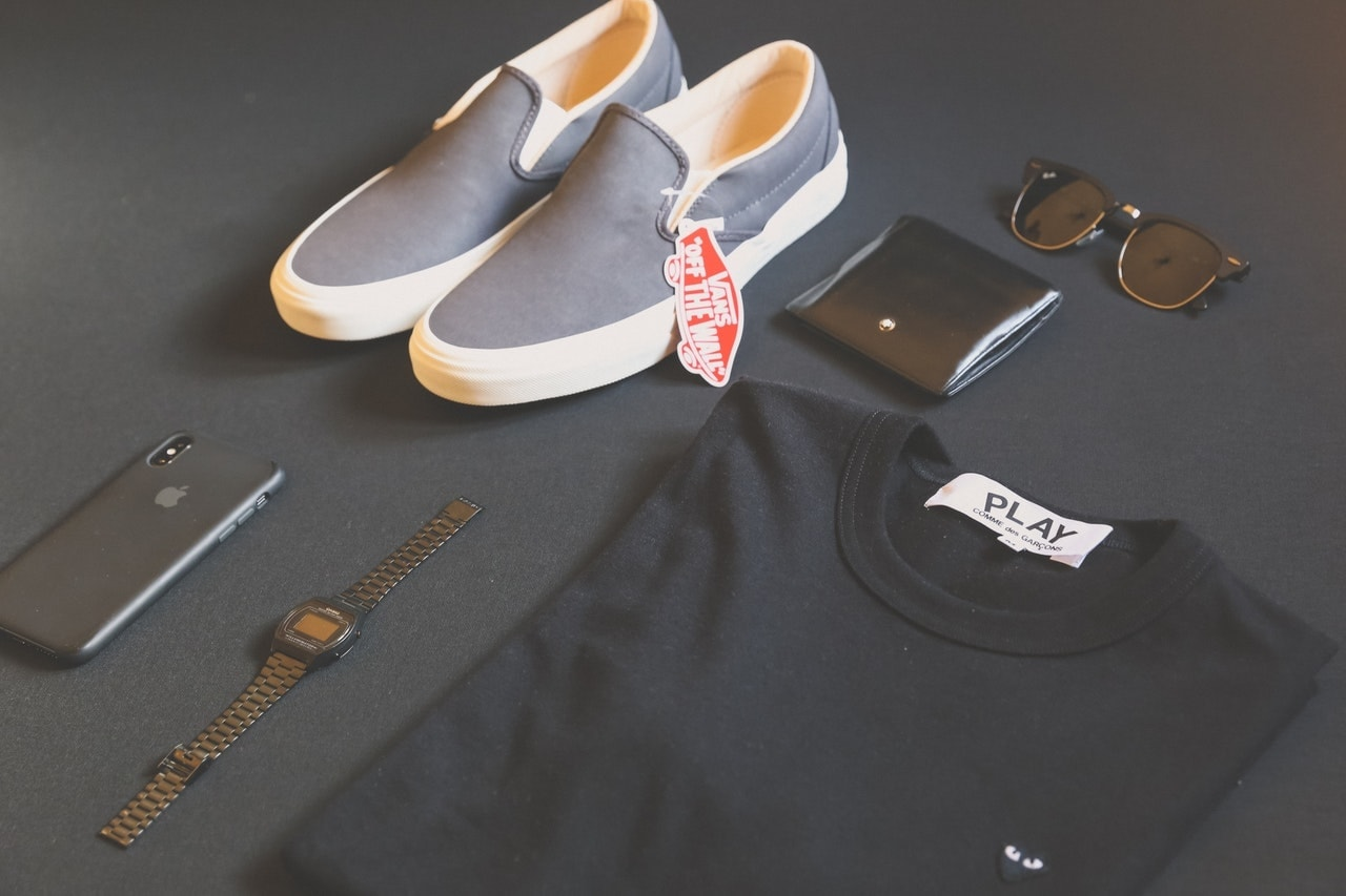 10 stylish things every guy needs in his closet!